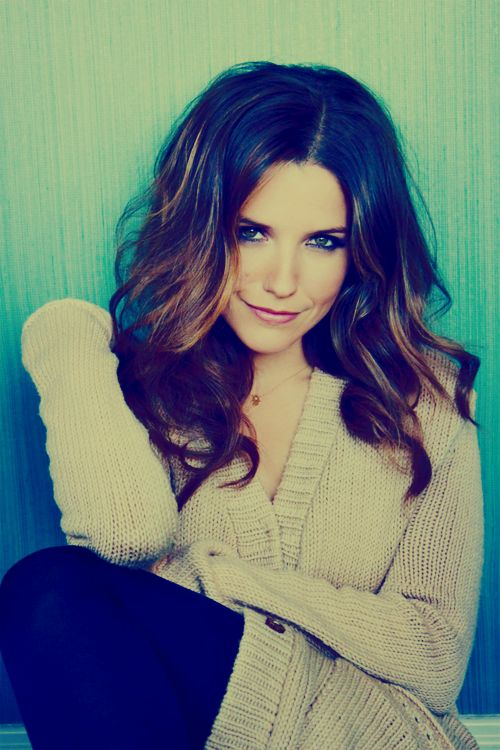 sophia bush one of my favorite on One Tree Hill. Love the hair!