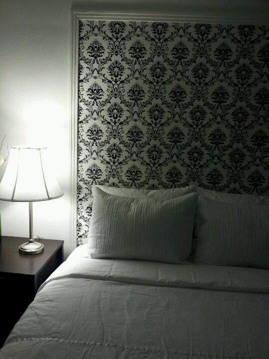Wallpaper headboard | Ideas for the House | Pinterest