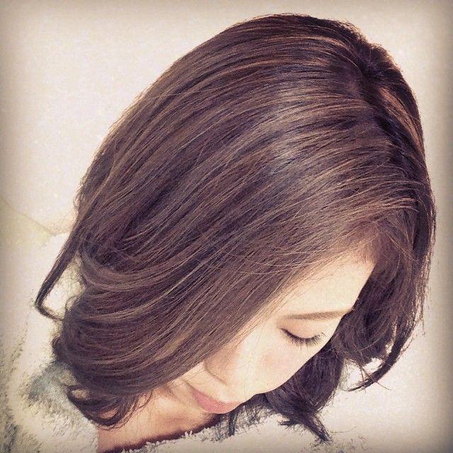 「究極の色持ちでおしゃれ暗髪に♡芸能人、モデルさんに人気のウィービングカラー!!」に含まれるinstagramの画像