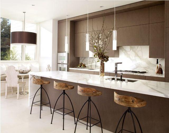 brown white easy clean modern kitchen http://www.designbuildideas.eu/easy-to-clean-modern-kitchen-interior-design/