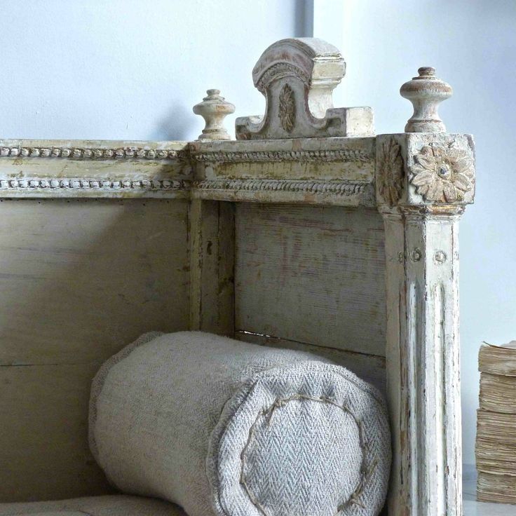 EXCEPTIONAL SWEDISH GUSTAVIAN SOFA BED in ANTIQUE FURNITURE from Georgia Lacey