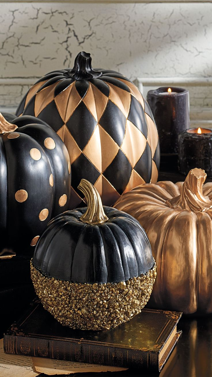halloween goes creepy chic with goulish glitter dusted black pumpkinsbut i think they just look unusual interesting all through fall - Halloween Design Ideas