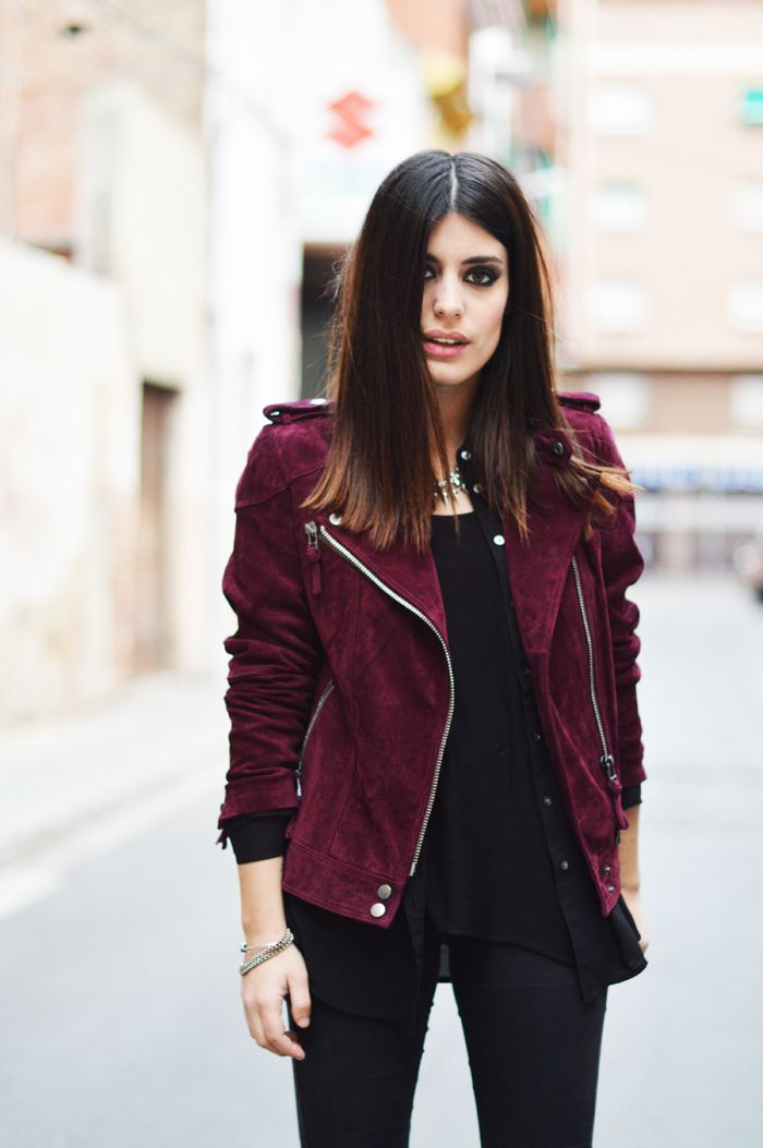 Perfect jacket nobuck. Fashion Blogger @dulceida style. Burgundy suede jacket