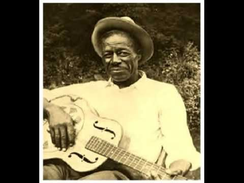 """"""" Ragged And Dirty """" WILLIE BROWN (1942) Delta Blues Guitar Legend"""