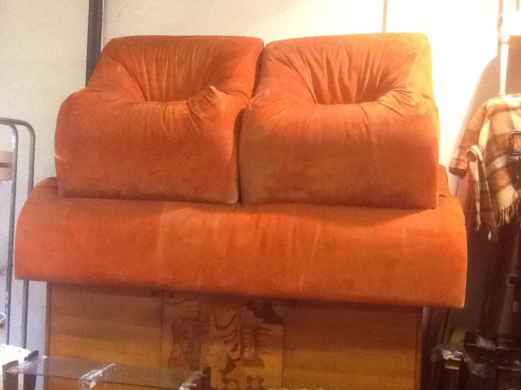 70's sofa & armchairs at Mercanteinfiera, Parma