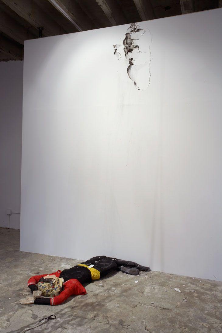 Andra Ursuta Vandal Lust 2011 Trebuchet: wood, plastic, cardboard, elastic, rope, metal Body: Foam, plastic, fabric, leather, wax 365 x 365 x 320 cm Body: 22 x 152 x 127 cm