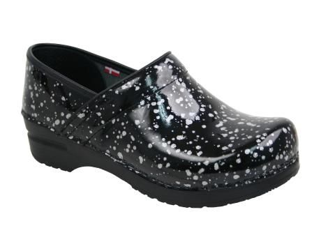 Slip On Women's Shoes | Free Shipping & Returns | RNShoes.com