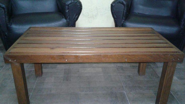 mesa ratona.. madera dura ..
