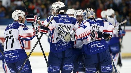 Pominville scores in OT as Adler Mannheim stuns Canada at Spengler Cup - http://f3v3r.com/2012/12/26/pominville-scores-in-ot-as-adler-mannheim-stuns-canada-at-spengler-cup/