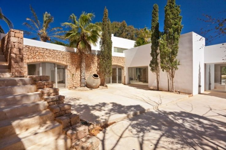 VILLA LAS ARENAS (10 people): for rent in Ibiza 26.09 / 03.10 - 11.472€/week.  Brand new villa located in the exclusive area of Porroig, South of the isle between Cala Jondal and Porroig urbanization. Approximately 2100 square meters of land, with a total built area of 603 square meters divided into two floors and a basement.  http://booking.ibizalibre.com/rentals/villa-sant-josep-de-sa-talaia-arenas-las-113359.html?FRMEntrada=26/09/2015&FRMSalida=03/10/2015&FRMAdultos=6