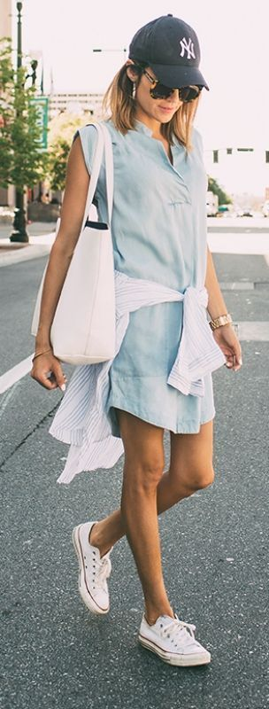 Maillot de bain : Ready for summer? Christine Andrew certainly is in this chambray dress striped