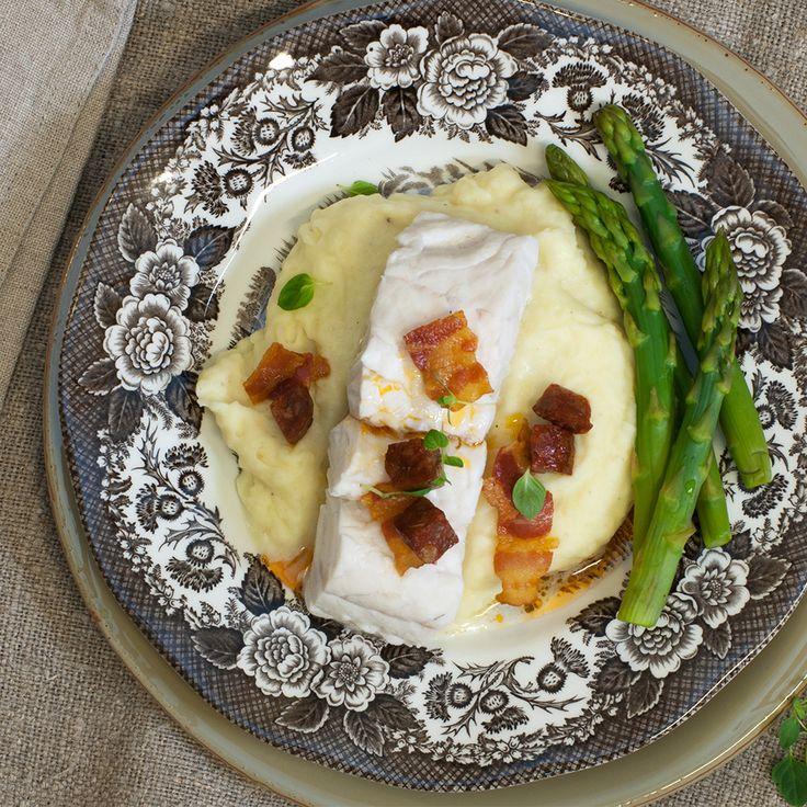 Fisk, bacon og potetstappe. Dette er i følge matbloggen Fru Timian en perfekt middag!