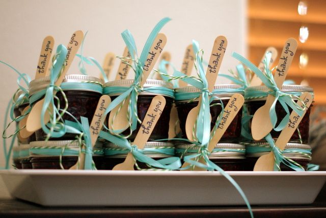Such sweet baby shower favors! #jam #babyshower #partyfavors