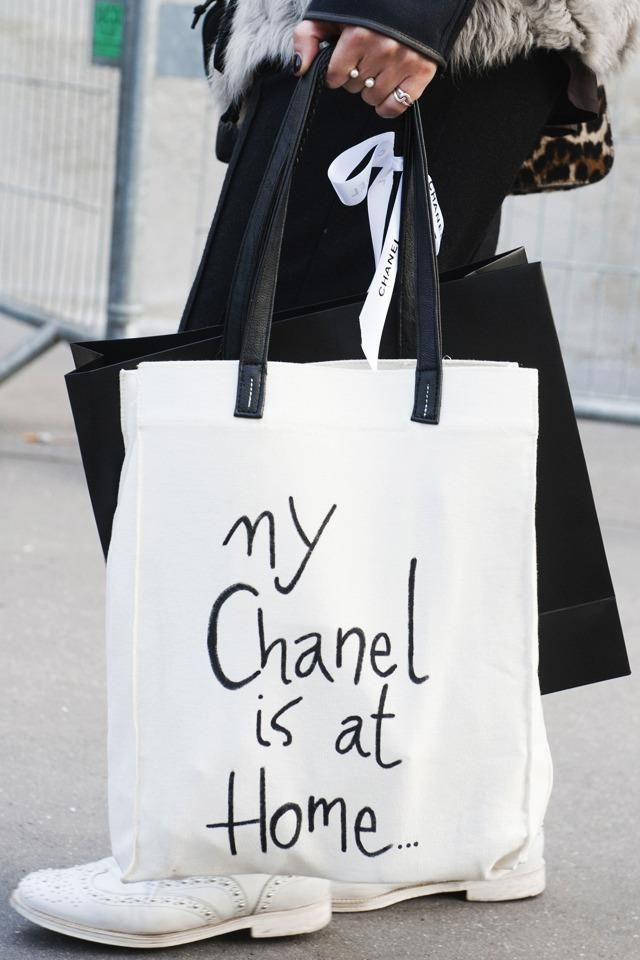 Сумка с надписью / Сумки, клатчи, чемоданы / Модный сайт о стильной переделке одежды и интерьера