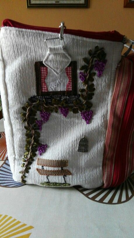 Lateral bordado con lazos
