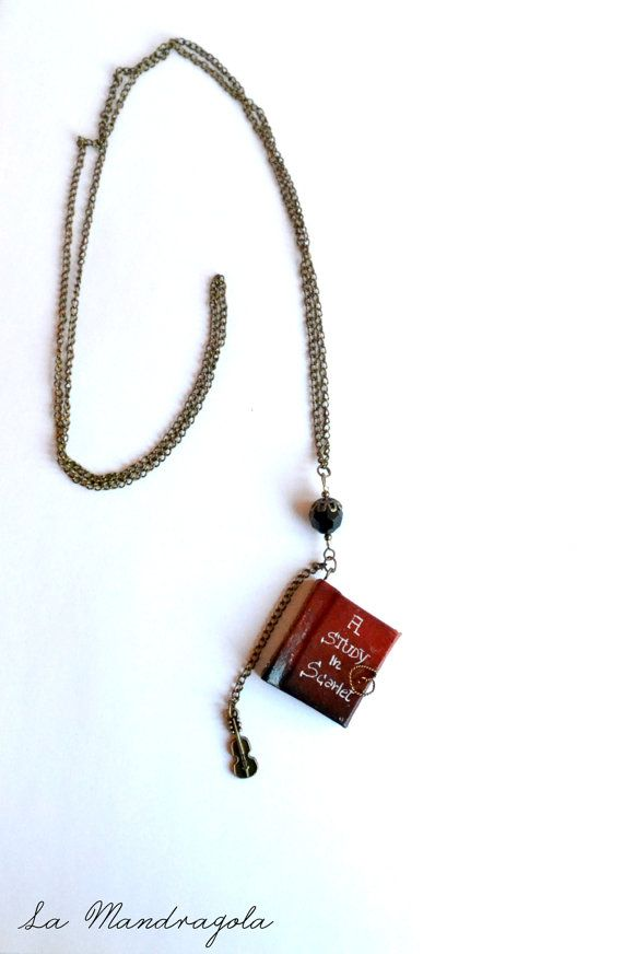#Sherlock Holmes Book Necklace. A Study in Scarlet #etsy di Mandragola, €17.00