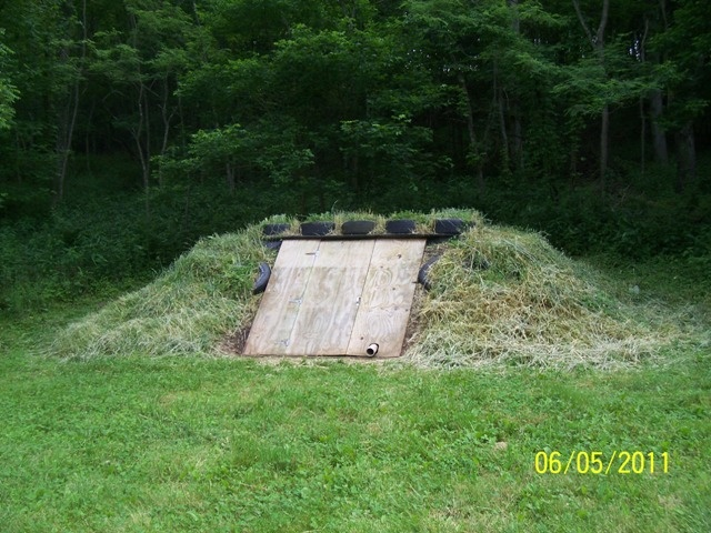 Best 25 storm cellar ideas on pinterest storm shelters for Hidden storm shelter