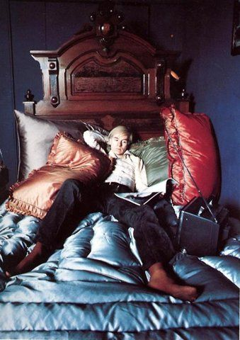 """""""Everything is more glamorous when you do it in bed anyway."""" Andy Warhol Philosophy, Atmosphere"""