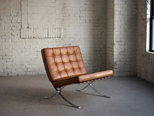 The Barcelona Chair by Mies van der Rohe Color: Prime Leather, Vivaldi.