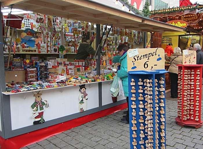 Dortmunder Weihnachtsmarkt - Spielzeug und Stempel  auf golocal.de