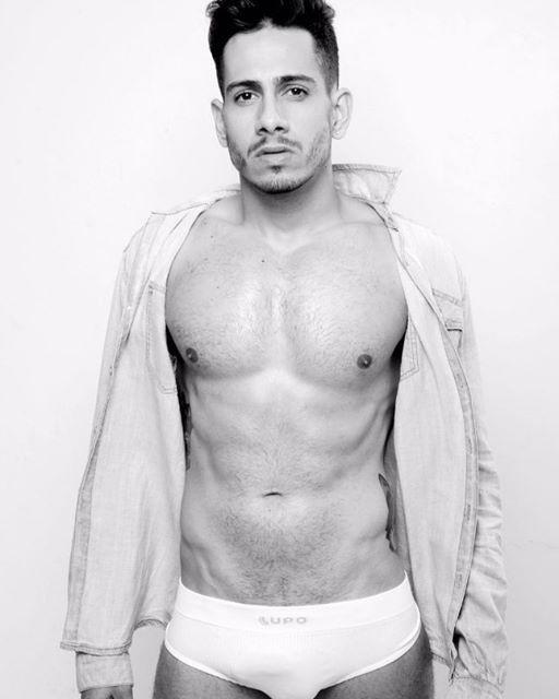 Instagram media by cuecasdoinsta - minha gente, olhem a cara desse homem! Lindo demais, sexy, cara de safado. Já quero! Follow @kaioberg #lindo #gato #gostoso #boyman #boys #deolhonamala #instagram #malagrande #malamarcada #boanoite #boanoitee #boamadrugada #musculoso #sarado #meu #love #cuecasdoinsta