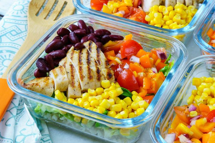 Clean Eating Meal Prep: Deconstructed Chicken Burrito Bowls! - Here's a Meal Prep recipe that will keep you MOTIVATED to Eat Clean! Ingredients: 4 servings 4 Boneless, skinless chicken breasts halves 1⁄4 cup avocado oil, or olive oil 1 Tbsp taco spice mix (try this homemade taco seasoning mix) 2 cups cooked brown rice For the Burrito Salad: 2 bell peppers...