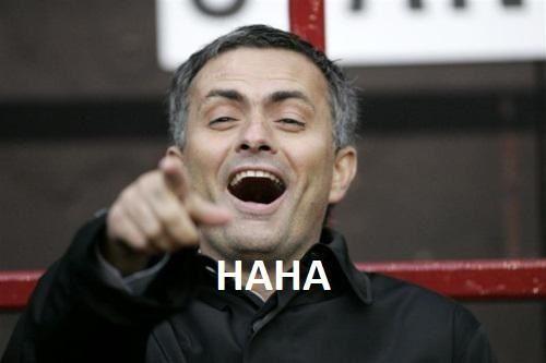 Jose Mourinho śmieje się z Wengera po meczu Premier League • Arsenal Londyn vs Manchester United • HaHa Mourinho • Zobacz zdjęcie >> #mourinho #football #soccer #sports #pilkanozna #funny