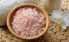 Il Sale rosa dell'Himalaya è conosciuto per le sue tante virtù non solo in cucina. Questo sale è utile anche per fare inalazioni e bagni curativi...