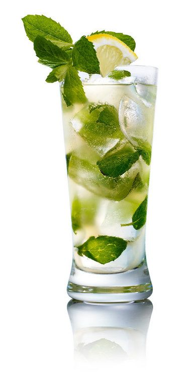 """James Ives, a bartender at Bellocq, managed to come up with a green drink for St. Patrick's Day that avoids both creme de menthe and food coloring. His Wicklow Wedding Cobbler starts with clear vodka and then adds green Chartreuse, mint leaves and cucumber agua fresca."" http://bit.ly/wCxQfn"