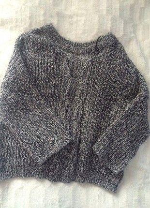Kup mój przedmiot na #vintedpl http://www.vinted.pl/damska-odziez/swetry-z-dzianiny/21560404-blogerski-gruby-sweter-oversize-hm-pleciony-wzor-rekawy-34-idealny-hit