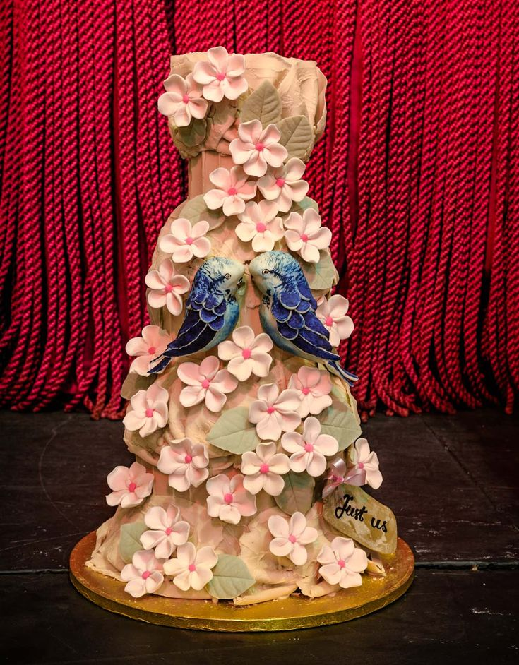 Floral wedding cake from Choccywoccydoodah