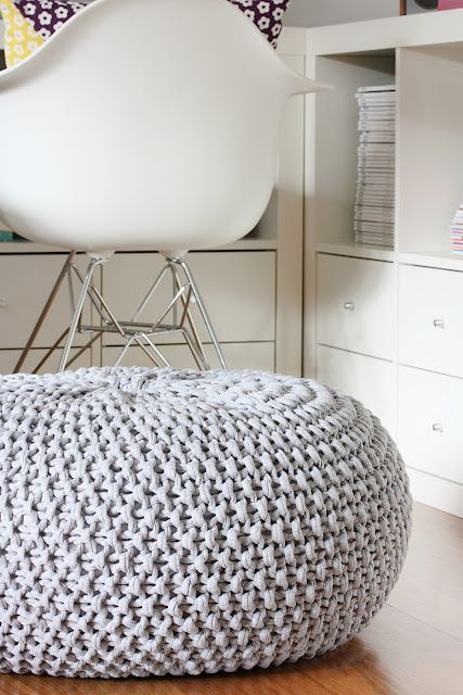 DIY knitted pouf:
