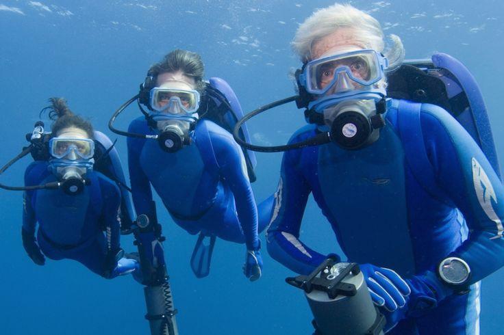Céline Cousteau, Fabien Cousteau et Jean-Michel Cousteau en plongée