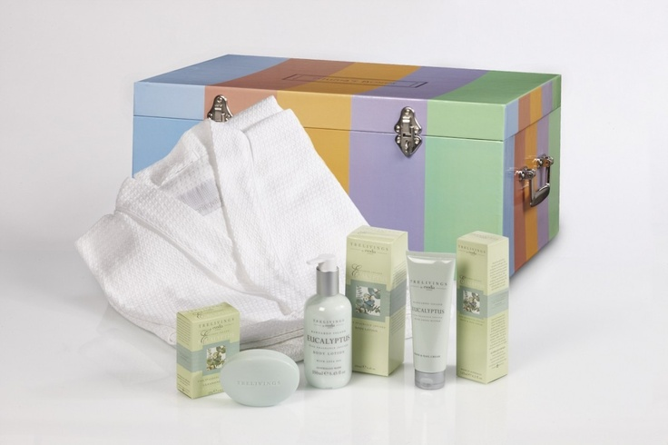Hampers Melbourne : http://cdn2.bigcommerce.com/server5100/cc0c1/products/59/images/166/Luxury_Trelivings_Kangaroo_Island_Eucalyptus_Pamper_Hamper__51740.1340805351.1280.1280.jpg
