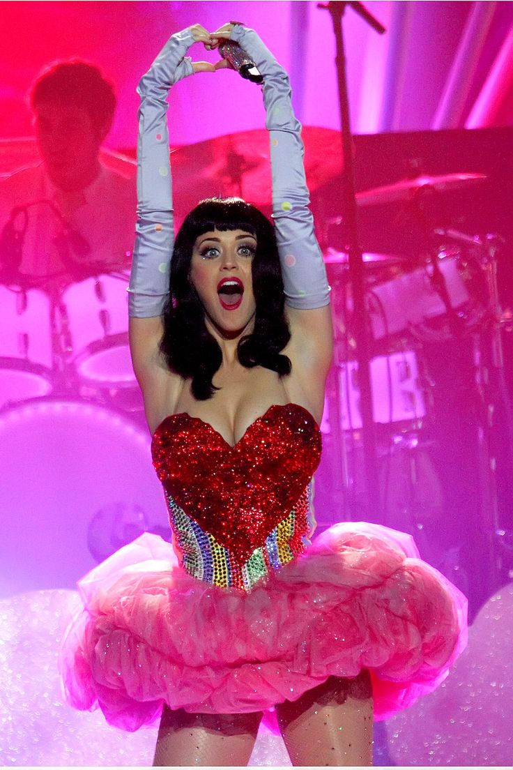 Katy Perry heart shaped dress sequin pink tutu off white ...