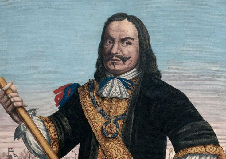 Michiel was van 1633 tot 1635 een stuurman op de boot de Groene Leeuw. In 1636 werd hij kapitein op een kaperschip van de familie Lampsins. Daarna ging hij voor de Lampzins als koopvaarder werken. In 1641 en 1642 werkte hij onder de admiraal Gijsels. Later ging hij als kapitein mee op het oorlogsschip De Haze, De Haze was eerst een koopschip.