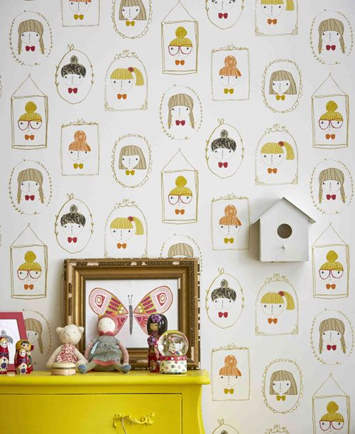 Scion Hello Dolly wallpaper girls faces in photo frames - Funky Walls - Dé webshop voor vintage en modern behang