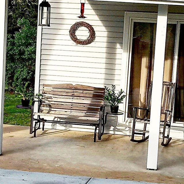 My first week actually taking it all in.  #simplelife #farmflowers #farmlife #lakeview #lakehouse #garden #gardenlife #freshair #ivegotthis #happiness #peace #joy #canyoufindthekitty #thankful    #Regram via @stallmannrealestate Jacob Stallmann | Coldwell Banker | Washington Mo Real Estate