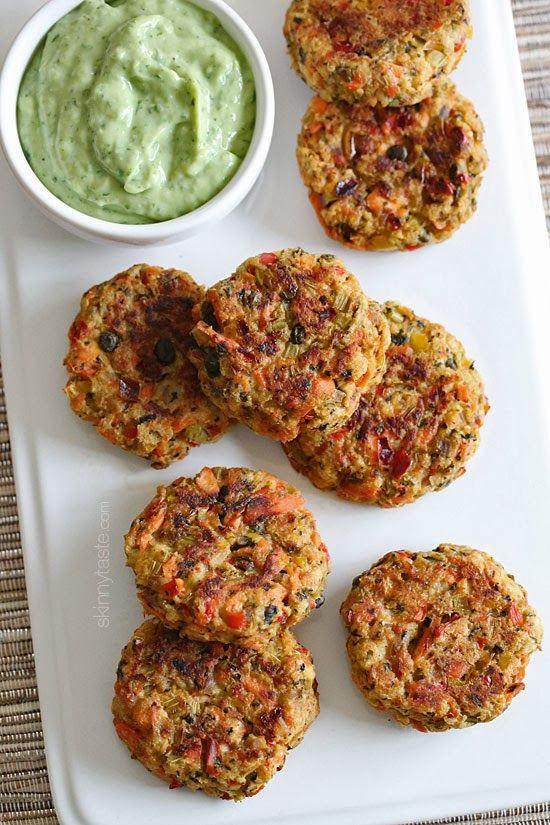 These baked salmon cakes are light and healthy! Served with my favorite zesty avocado cilantro sauce for dipping – !