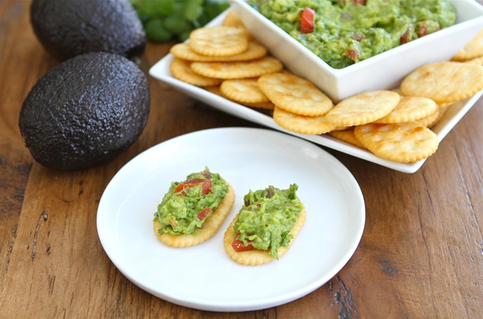 Fresh and Easy Cinco de Mayo Guacamole RecipeGuacamole Dips, Guacamole Recipe, Easy Cinco, Cincodemayo, May 5, Savory Recipe, Easy Guacamole, Delicious Food, Mayo Guacamole