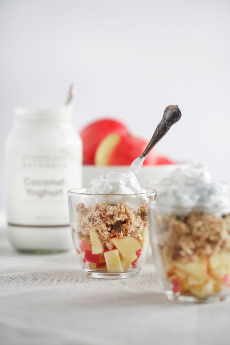 Super easy 10 minute MINI APPLE CRUMBLES - raw, vegan, dairy free, gluten free, healthy, recipe, dessert, snack, breakfast, begoodorganics