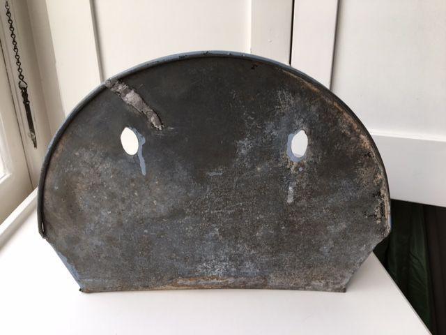Frans antiek ''wasbekken''- zink- 19e 0f begin 20e eeuw.