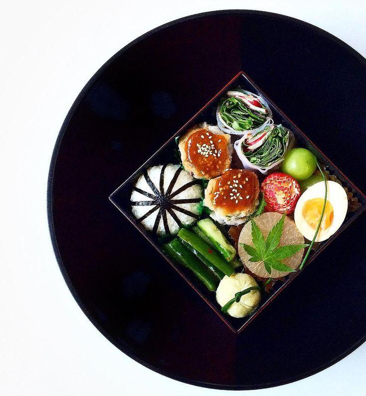 Love Japanese bento box🍵 外国の雑誌社の方から連絡があり、もしかすると私の作ったこちらのお弁当写真が掲載されるかもしれないとのこと🙀💕 心から嬉しいです!いつも皆さまが見てくださっているおかげです。本当にありがとうございます😭🙏🏼✨