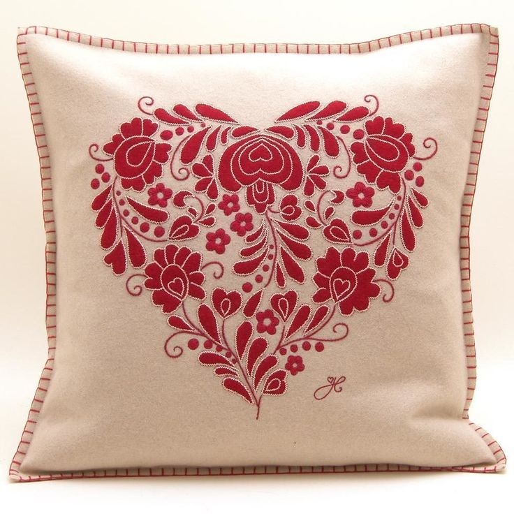 Country Living / Jan Constantine / Romany Heart Cushion