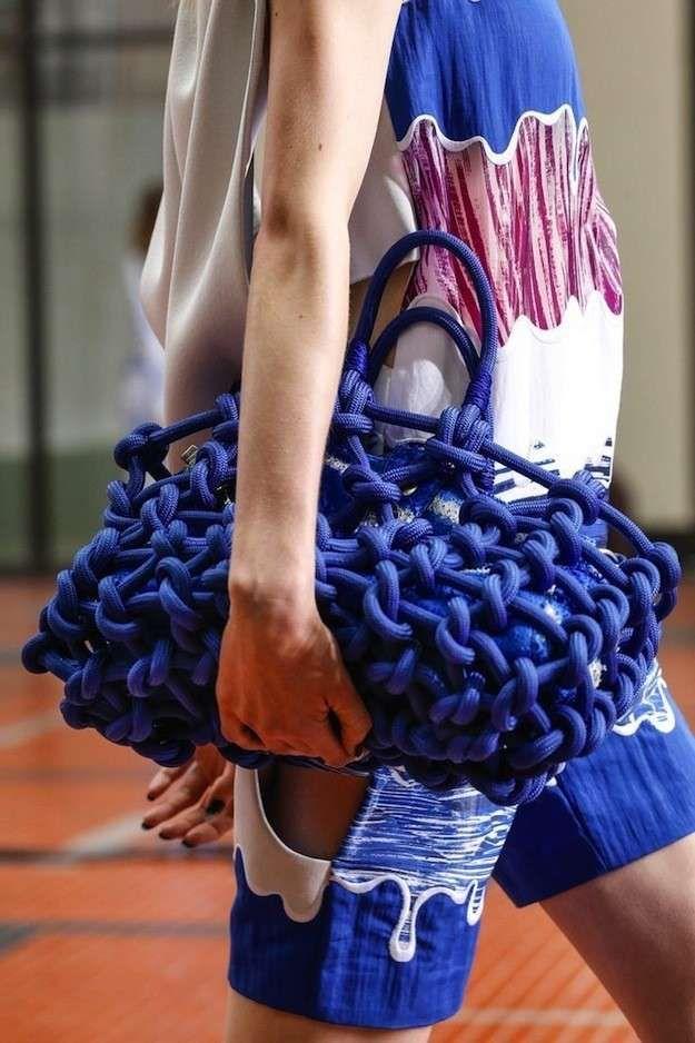 50 bolsos imprescindibles para la Primavera/Verano 2014: Fotos de los modelos - Kenzo bolso azul