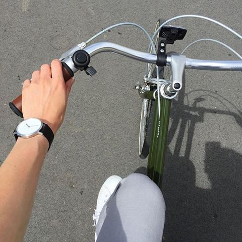 Casual Sunday 🚲 in The Silver ⌚️ #sundaystyle