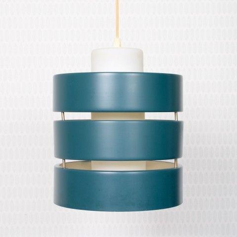 Omschrijving: Philips lamp van Louis Kalff. Deze blauw groene lamp heeft een melkglas interieur voor een mooi zacht verspreid licht.  Afmetingen: 32x29x29 HxBxD in centimeters.  Staat: goede gebruikte staat. Klein verf verlies.