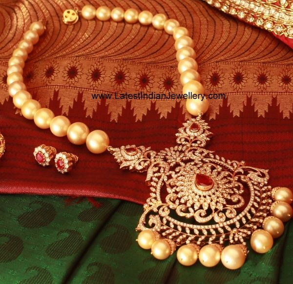 Gorgeous Pearl Necklace with Heavy Diamond Pendant