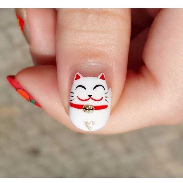 lucky cat nail art. www.kittyloversclub.com