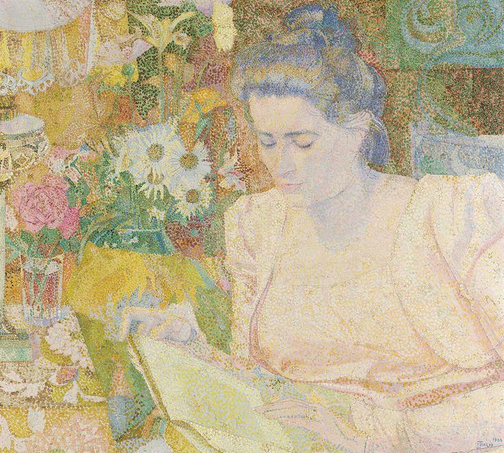 Jan Toorop | Portrait of Marie Jeanette de Lange, Jan Toorop, 1900 | Het schilderij is geschilderd in een pointillistische techniek. De geportretteerde is rechts geplaatst, toegewend naar de beschouwer, terwijl zij in het licht van een petroleumlamp een boek bestudeert. Ze is gekleed in een roze japon, zg. reformkleding, en heeft het haar eenvoudig opgestoken. Op de tafel links is deels de petroleumlamp te zien, geplaatst naast een vaasje rozen op een tafeltje bedekt met een gebloemd kleed…